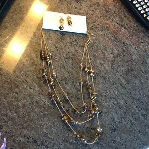 Jewelry - Layer Necklace w/ earrings gold costume jewelry